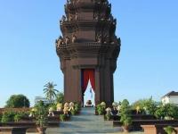 Day 12: Siem Reap - Phnom Penh - City Tour (B)
