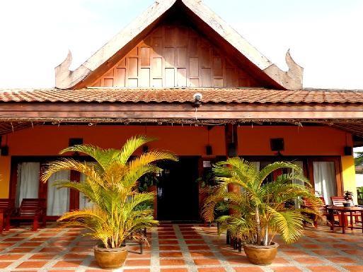 Inthira Hotel – Vang Vieng