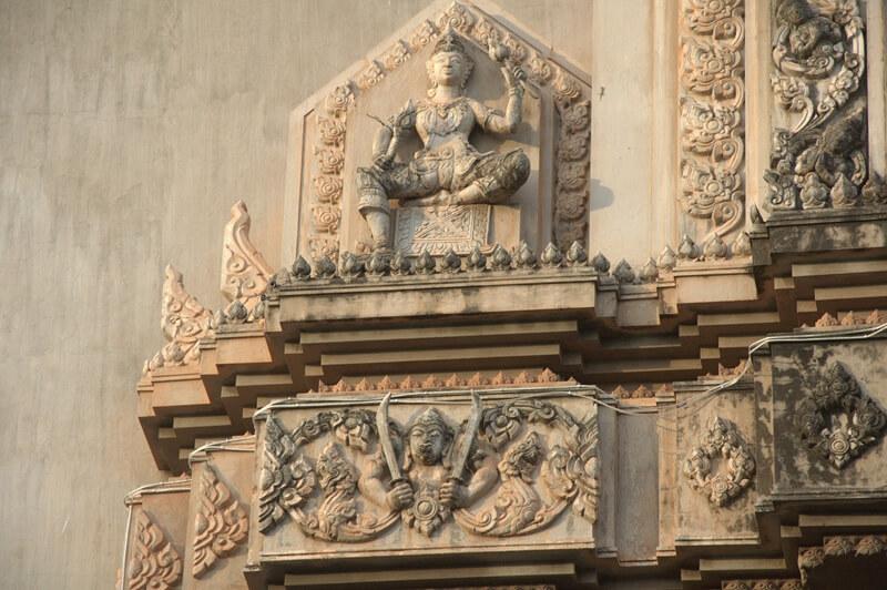 Patuxai in Vientiane 4